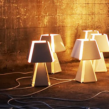 "Fas <br /> Table lamp in powder coated steel<br /> Produced by <a target=""blank"" href=""http://www.manufacturascelda.com"">Celda</a>."