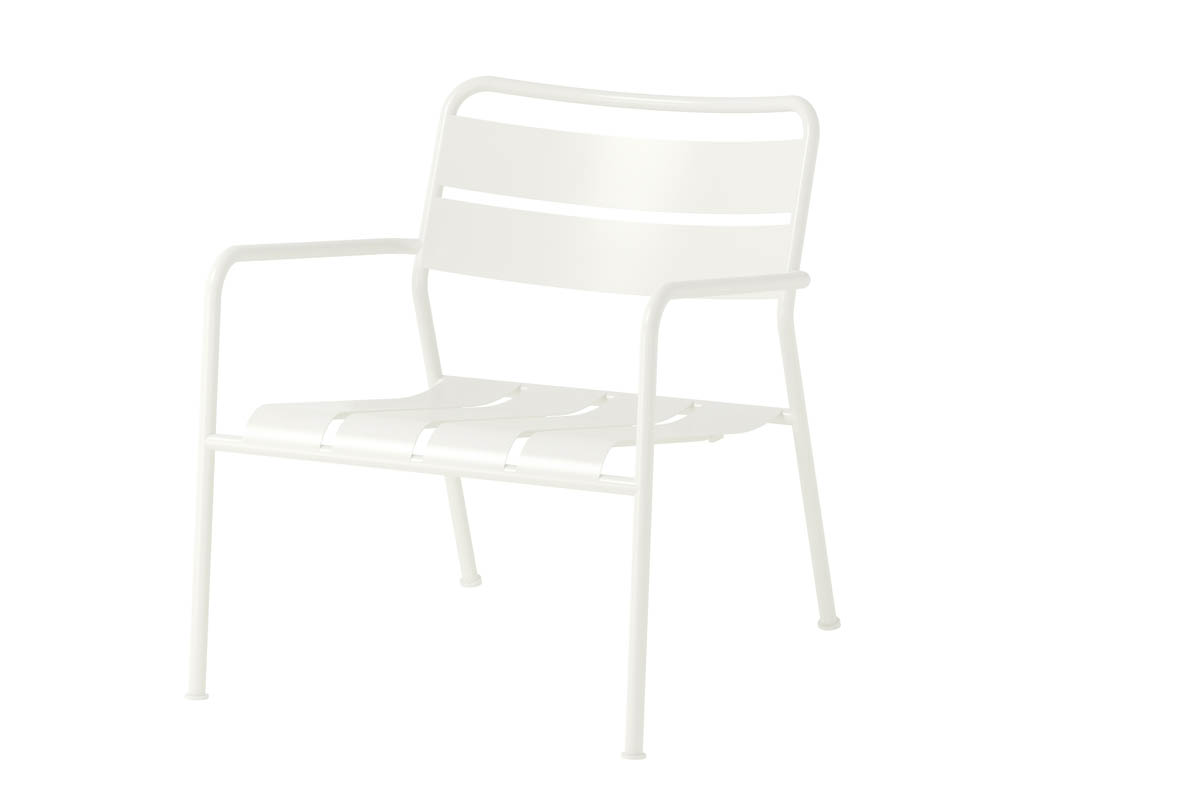 "Roxö <br /> Deck chair, powder coated steel<br /> Produced by <a target=""blank"" href=""http://www.ikea.com/"">IKEA</a>."